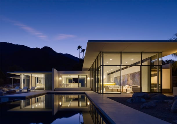 WESTERN ART & ARCHITECTURE FEATURES PALM SPRINGS HOUSE