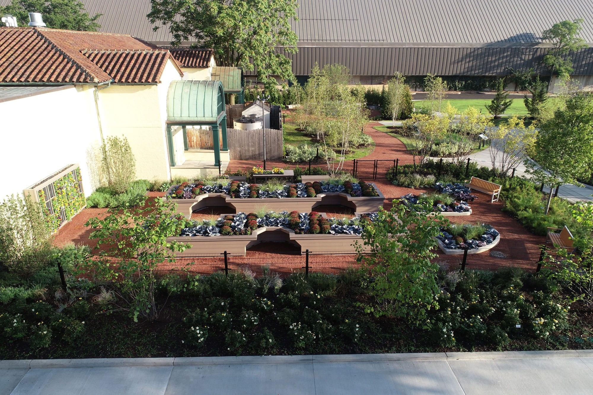 hamill-family-nature-plaza-0750